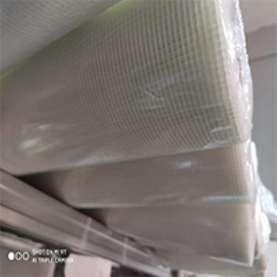 רשת טיח  70 גרם  2.8  ר 100 לבן 50 מטר