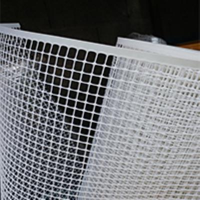 """רשת אוטופלסט לבנה גובה 1 מטר חור 20 מ""""מ - מ.א"""